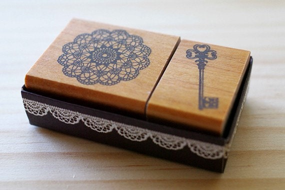 Girlish Stamp - Lace and Key