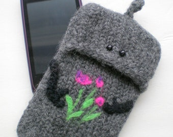 iPhone, Driod, Samsung, HTC Smartphone Hand Knit Felted Case - Robot
