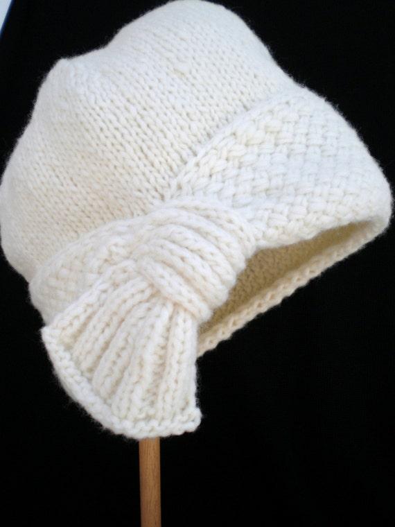 Knitting Styles Patterns : Hand knit women flapper style cloche hat winter off white