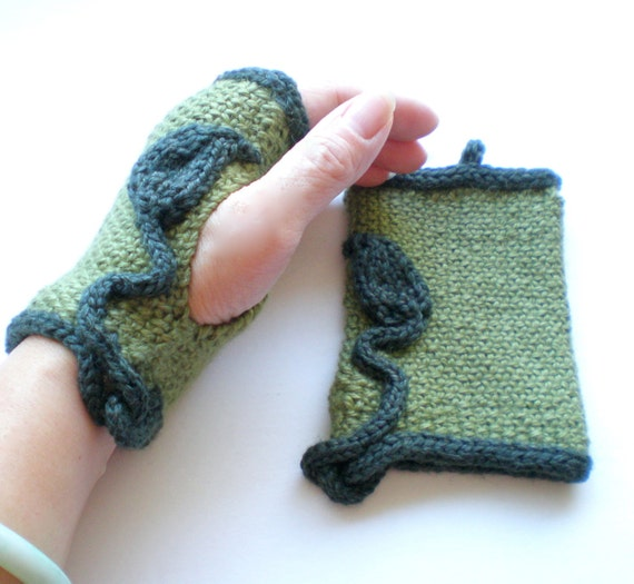 Women Knit Wool Fingerless Gloves aka Texting Gloves - Green Leaf