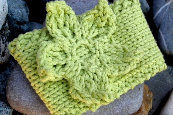 Knit Coffee Sleeve - Green Flower - FREE SHIPPING