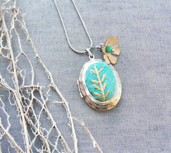 Green at Heart Locket Necklace - Vintage Embroidery, Enamel and Silver plated metal