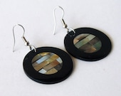 Vintage '80s Black Acrylic Disc Earrings with Mother of Pearl/Abalone Inlay