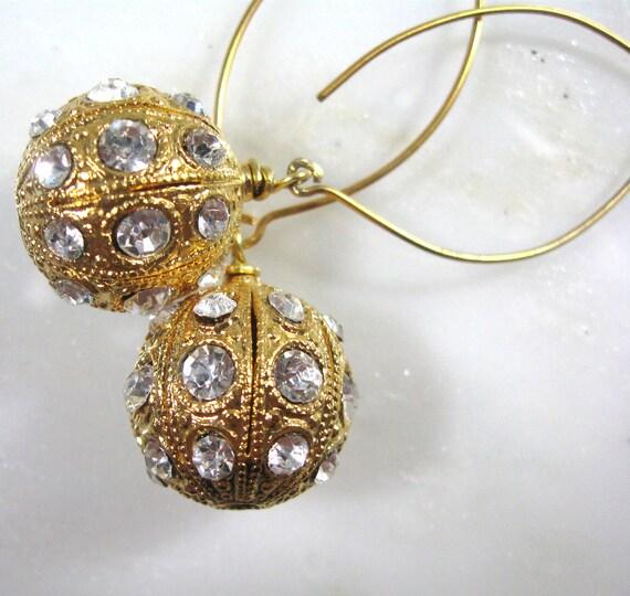 Quite fabulous Vintage Swarovski Crystal Globe Focal Drop Bauble Earrings in Gold...