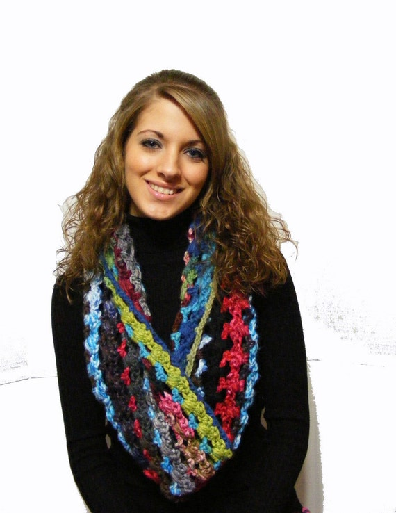Crochet Infinity Scarf Pattern with Vintage Style Flower Brooch or Clip Tutorial Crocheted Infinity Cowl Instant Download No. 45