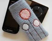 Flower cell/mobile/gadget cozy