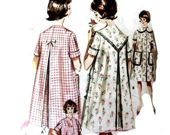 Vintage 50s Brunch Coat Sewing Pattern 31 Inch Bust Button Front Bow or Lace Trim Back
