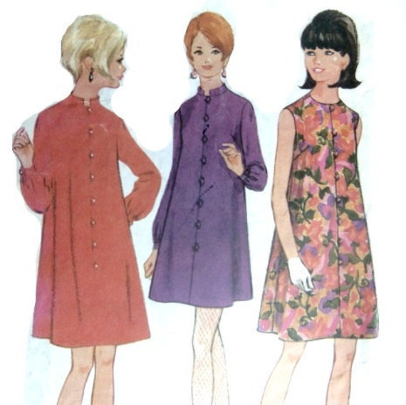 Swinging Trapeze: Vintage 60s Sewing Pattern Mod A Line Trapeze Dress With 31 or 32 Inch Bust Sleeveless or Long Sleeve
