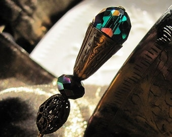 A Goblet of Wine to the Embraces of Emerald Green Victorian Hat Pin
