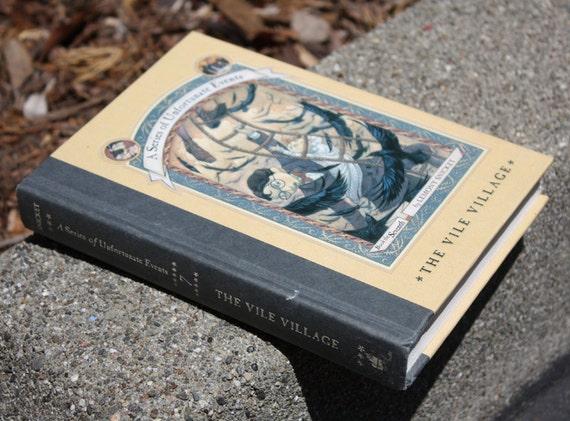 Hollow Book Safe - A Series of Unfortunate Events 7 - Hollow Secret Book