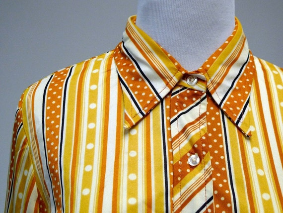 1970 vintage  DOTS and STRIPES long sleeves shirt . large