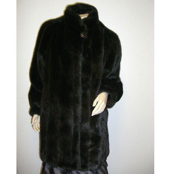 vintage . PLUSH . Dubrowsky and Perlbinder faux fur coat . size M - L