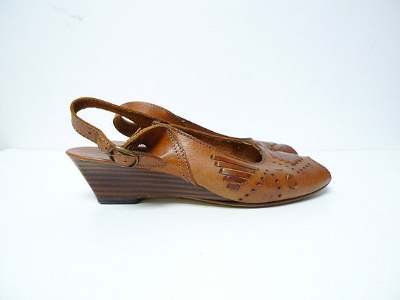 vintage peep toe brown leather shoes . size 7.5