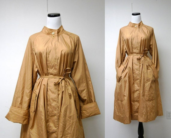 1970 vintage Qiana spring raincoat . size M to XL