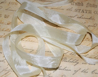 Creamy Custard Vintage Seam Binding Ribbon