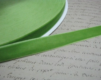 Apple Green 5/8 Velvet Ribbon