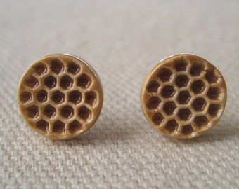 honeycomb posts, caramel ... handmade porcelain jewelry by Sofia Masri
