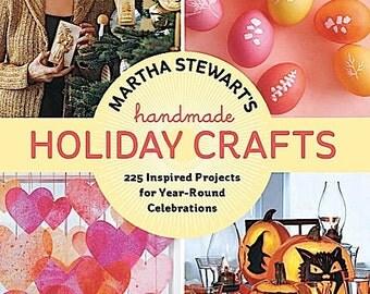 BOOK - Martha Stewart's Handmade Holiday Crafts