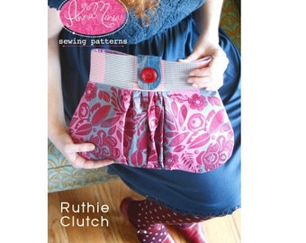 20% Off SALE! Anna Maria Horner PATTERN --- Ruthie Clutch