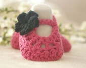 READY TO SHIP - Crochet Baby Shoes, Pink and Black