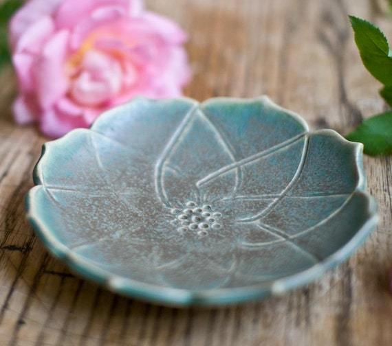 Small Stylized Lotus bowl-Bronze Green