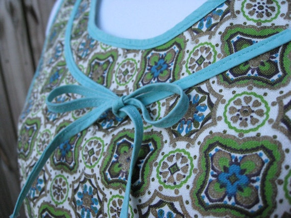 Vintage Bib Apron - Shift Style - Blues and Greens with Scallop Edging - 1950s