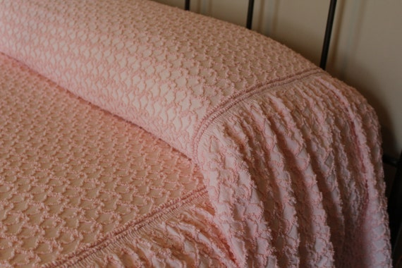 Vintage Chenille Bedspread - Shabby Chic Pink - Cabin Crafts Squiggle Chenille - Full Queen - Pink