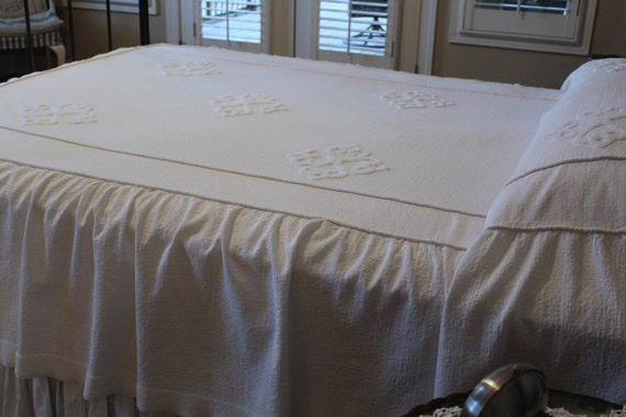 Vintage Bedspread - Hollywood Regency - Snowy White Skirted with Chenille - Solid White