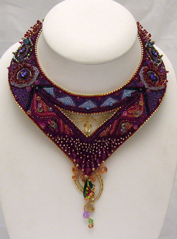 Ariadne's thread - Swarovski Beaded Necklace