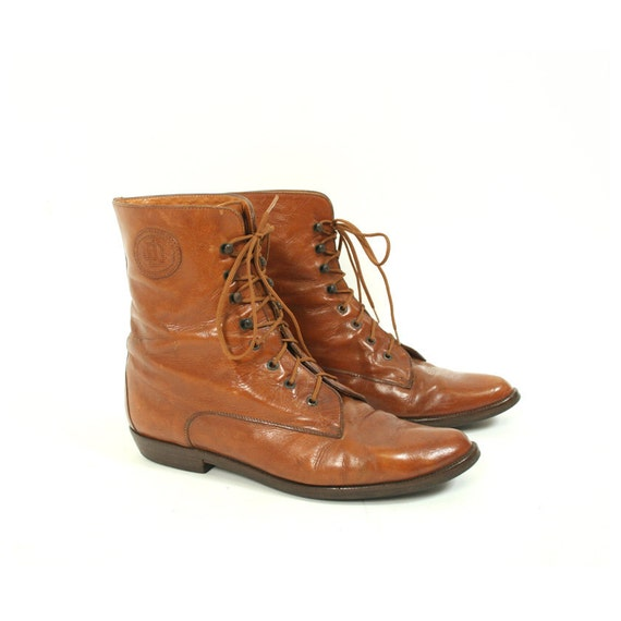 size 9 vintage brown leather lace up ankle boots by