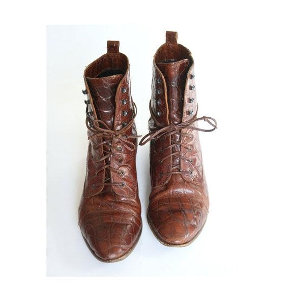 size 8 CROC print Italian leather boots 38.5