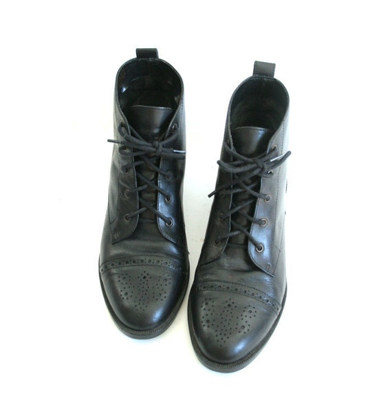size 8.5 black leather CUT OUT details ankle boots