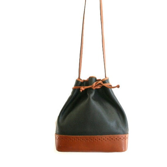 vintage Italian black and brown leather bucket bag