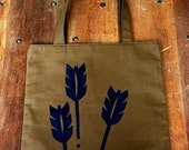 Marge's Market Tote in Brown Canvas with Navy Arrows