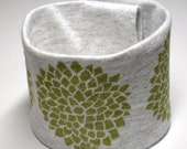 Wrist Cuff Wallet for Runners - Chrysanthemum (Eco-Friendly)