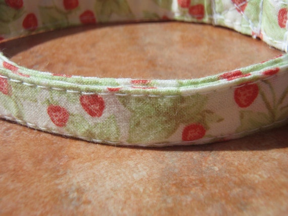 Retro Collection- French Strawberry- - Retro Vintage Japanese Summer Strawberry Organic Cotton Cat Collar SIZE SMALL BREAKAWAY - - All Antique Brass Hardware