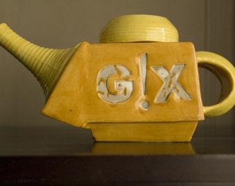 Sunny little teapot