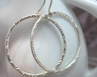 Lightweight Textured Hoops