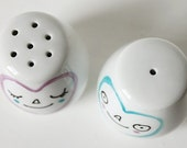 Happy couple of salt and pepper shakers - Mildred and Victor