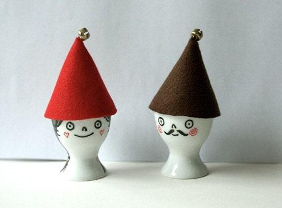 Joulu Tonttu - original hand-drawn eggcup with hat