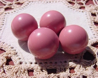 Old-Fashioned Dusty Rose Vintage Lucite Beads