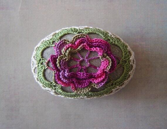 Table Decorations, Flower, Wedding, Handmade, Crochet Lace Beach Stone and Plain Oval Stone