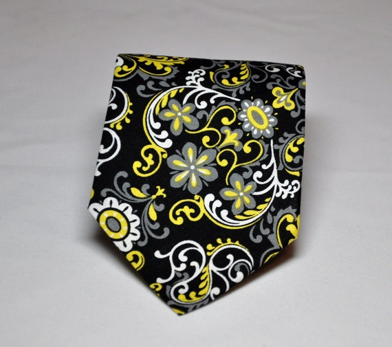 Black and Yellow Damask Necktie