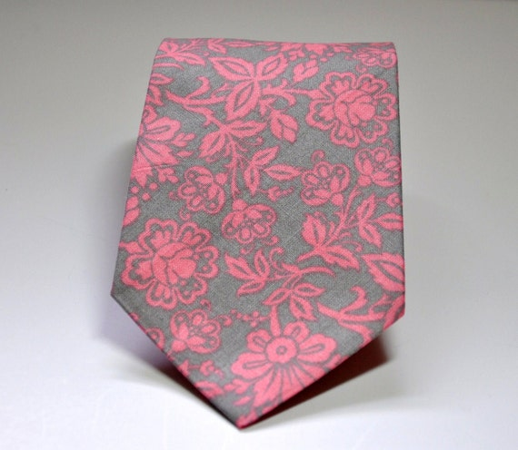 Men's Necktie Pink and Gray Foral