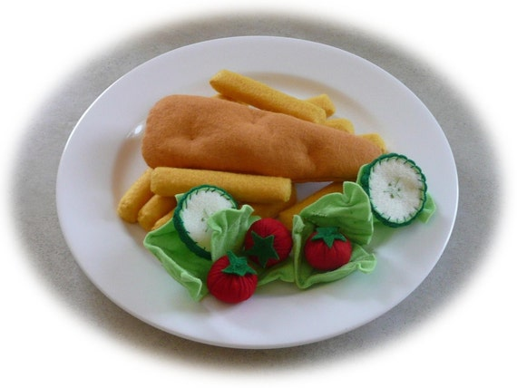 Pretend Play Kitchen - Felt Food Patterns - The Fish and the Chips