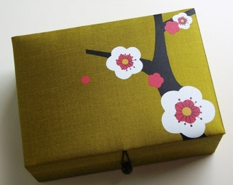 Green Cherry blossoms jewelry box, large