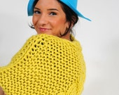 PILLBOX HAT with BRIM in turquoise