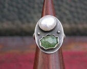 Sale Marked Down Emerald And White Pearl Ring