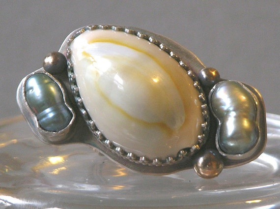Beach Shore Shell And Pearl Ring