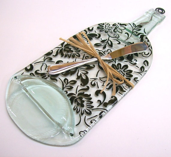 Recycled Wine Bottle Serving Tray (New Damask Pattern with Silver Spreader)